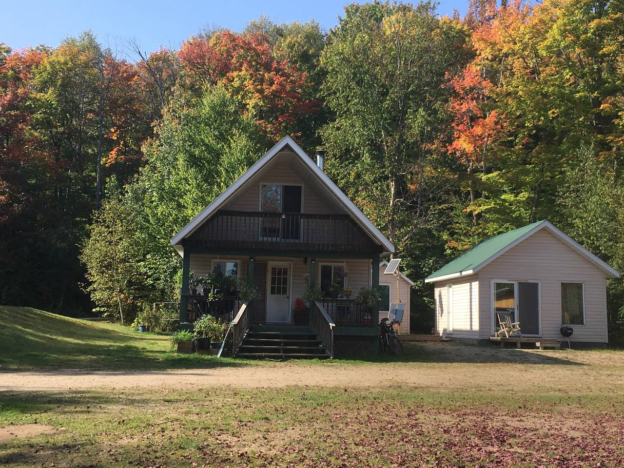 Manitou Cottage - Lost Dog Guest Cabin